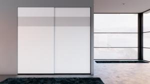 Puertas correderas Ocultas lacadas, sin estructura y cristal enrasado.